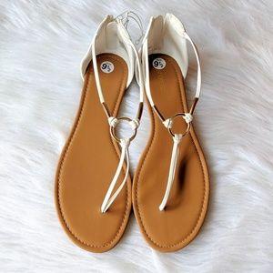 Shoe Dazzle Marni White Sandals Size 9.5